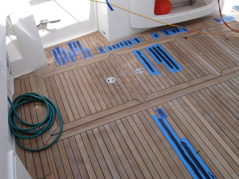 Caulking teak seams