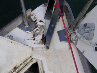 Damage from other boat breaking free