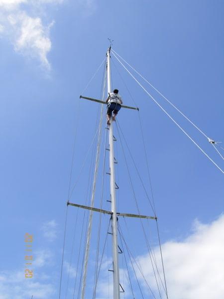 Karl up Mischief's mast